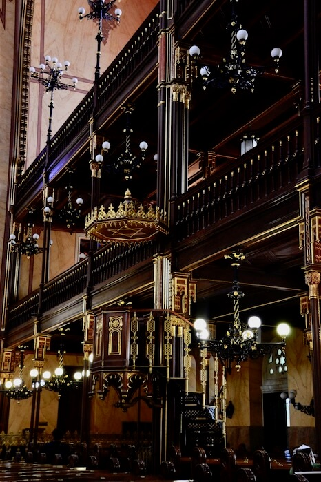 The Jewish Quarter home to Dohany, the Grand Synagogue and Holocuast Memorials. Learn about the Grand Synagogue and Jewish Quarter History. #visitbudapest #travelforlifenow #dohany