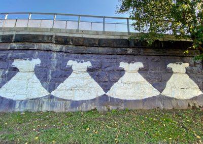 42 Dresses street art