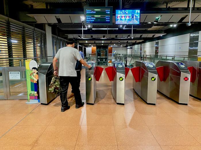 Turnstiles Singapore MRT